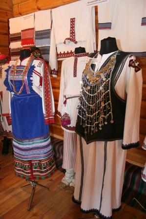Хотя марийская вышивка